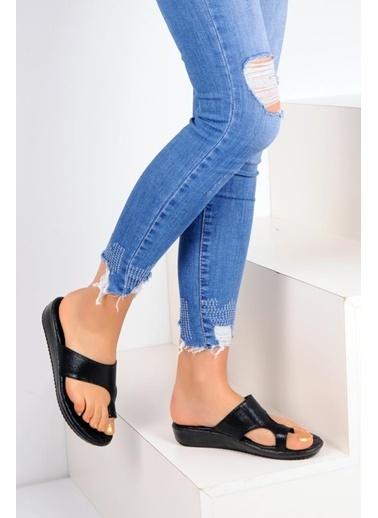 Pembe Potin A2402-19 Kadın Sandalet Siyah